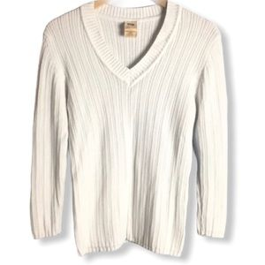 Sweaters - 💕 White V Neck Sweater Size L(12-14)